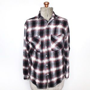 🎀3/$30 G21 Black White Red Button Up Flannel Top